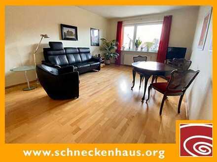 Findorff-Tipp! Gepflegte Wohnung mit zwei großen Balkonen, Parkett und moderner EBK...