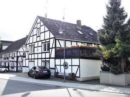 Kapitalanlage mit echtem Charme - Dreifamilienhaus in Lohmar
