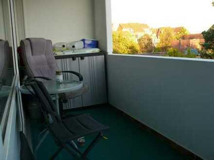 Gepflegte 4,5-Zimmer-Wohnung mit Balkon und Einbauküche in Laatzen