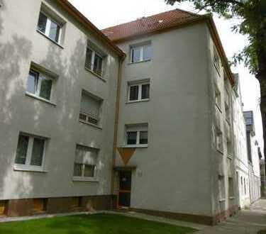 Schnell zugreifen - frisch renovierte 2,5-Raum-Wohnung