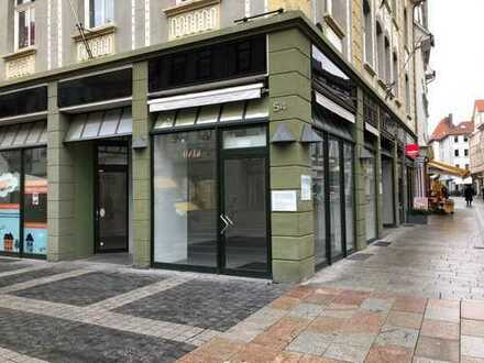 Ladenfläche mit großer Schaufensterfront in 1A- Lage