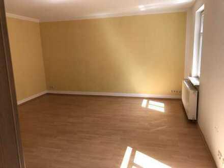 Gepflegte 3-Zimmer-Maisonette-Wohnung mit Balkon und EBK in Apolda