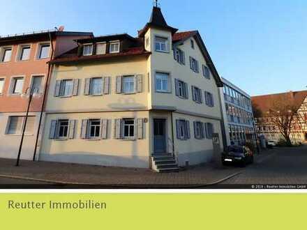 Renovierte Altbauwohnung inmitten von Münsingen zu vermieten