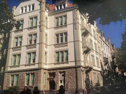 Schöne Altbauwohnung direkt am Gutenbergplatz