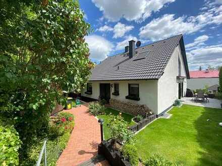-Provisionsfrei- Freistehendes Einfamilienhaus mit acht Zimmern in Mainz-Bingen (Kreis), Harxheim