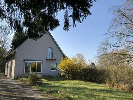 Schönes, geräumiges Haus mit fünf Zimmern in Neustadt a.d. Waldnaab (Kreis), Schirmitz