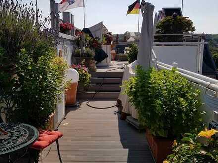 *NEU* Einzigartige Maisonette-Penthaus-Wohnung mit großer Dachterrasse in 1AA-Lage von Wiesbaden!