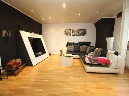 Gut geschnittene 4-Zimmer-DG-Wohnung mit Ausbaureserve im Spitzboden in beliebter Wohnlage
