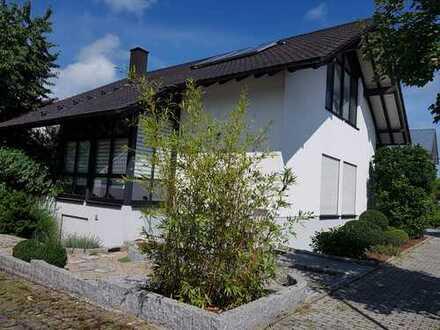 Schönes, geräumiges Haus mit fünf Zimmern in Rastatt (Kreis), Au am Rhein