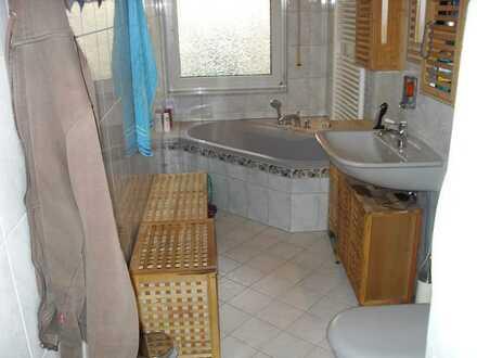 Roth! Große 4 1/2 Zimmerwohnung mit Gartenanteil in Waldrandnähe zu verkaufen.