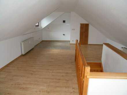 2 Raum DG-Mais.-Wohnung, offene Küche; herrlicher Ausblick!!!