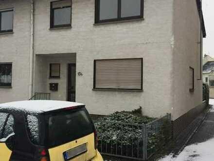Haus mit fünf Zimmern in Bad Vilbel.