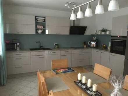 Gepflegte 4-Zimmer-Terrassenwohnung in Ortsrandlage von Mindelstetten