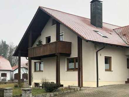 Preiswerte, gepflegte 4-Zimmer-Wohnung mit Terrasse und EBK in Wernberg-Köblitz