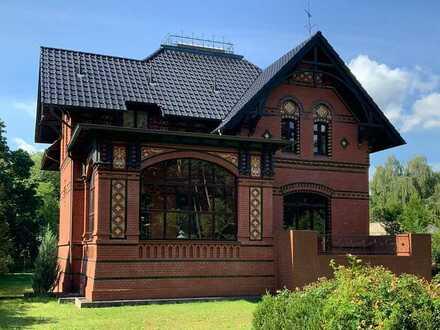 Historische Fabrikantenvilla für Liebhaber