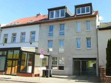 |Große 4-Raumwohnung | Balkon | Laminat | neues Bad|