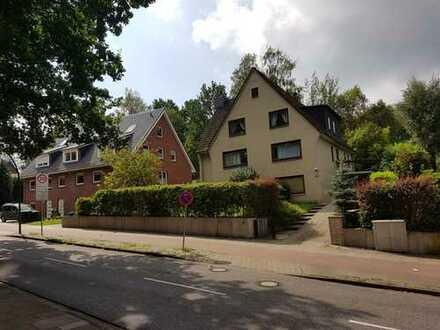 Gepflegte 3,5-Zimmer-Terrassenwohnung mit Terasse und EBK in Marmstorf, Hamburg