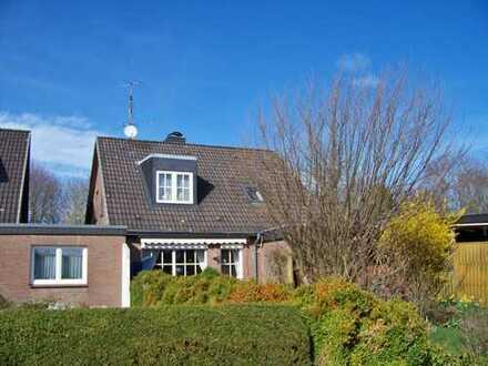 Wohnhaus in sehr ruhiger, guter Lage, Garage, Carport, Wintergarten