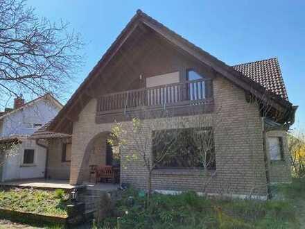 Einfamilienhaus inklusive Dachgeschosswohnung auf einem perfekten Grundstück.