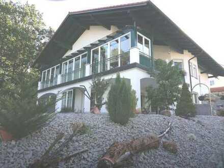 Villa am Waldrand der Golf- und Kurstadt mit traumhaften Fernblick