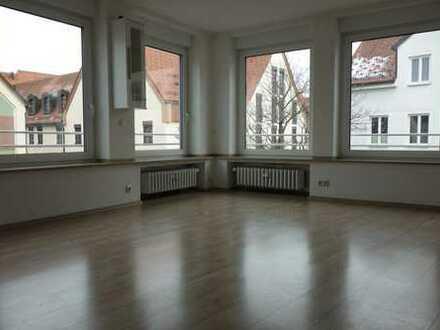Helle 2-Zimmer Wohnung in der Innenstadt