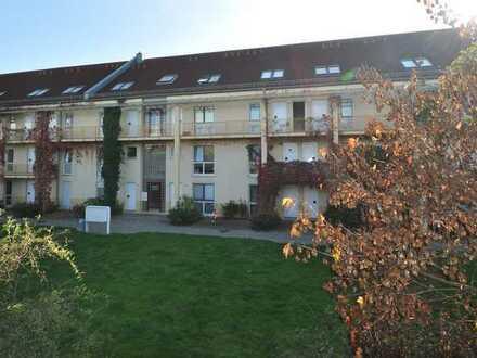 Hoch hinaus - vermietete 2-Zimmer Dachgeschosswohnung sucht neuen Anleger!
