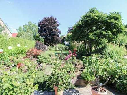 Ein Traum für Familien: Charmante DHH mit Garten und Terrasse in ruhiger Wohnlage nahe Augsburg