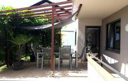 Tolle 5 Zimmer Erdgeschosswohnung mit großer Terrasse und Garage