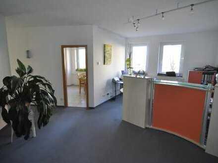 Modernes und repräsentatives Büro Ortsmitte Dettingen auch teilbar (ca. 120 m²)