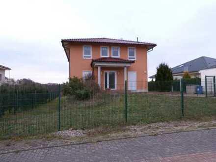 Attraktives Einfamilienhaus mit Einliegerwohnung in ruhiger Lage in Wandlitz unweit Berlins