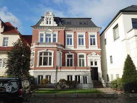 CENTURY21: Frisch sanierte Altbauwohnung mit 2 Balkonen im Dobbenviertel