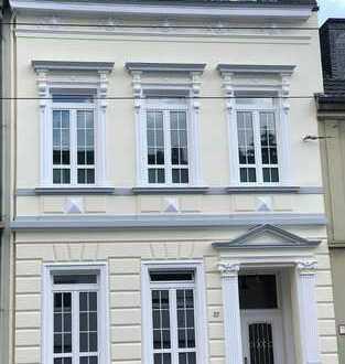 Jugendstil Stadthaus - Erstbezug nach Sanierung: 3 Luxuriöse Wohnungen in Krefeld