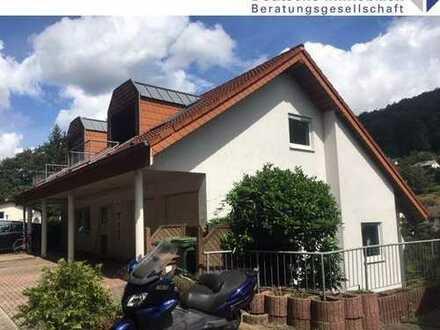 Schönau-Altneudorf: Ansprechende 3-Zimmer-Dachgeschosswohnung in kleiner Einheit