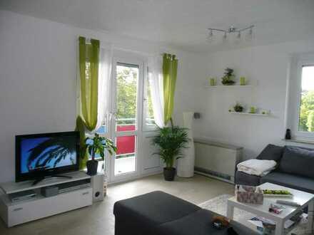 Gepflegte Wohnung mit drei Zimmern sowie Balkon und Einbauküche in Hochdorf