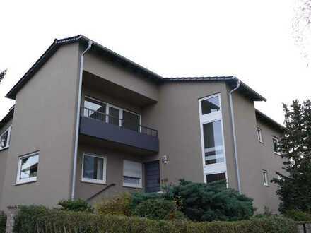 Erstbezug nach Sanierung: große, helle Wohnung mit neuer EBK sowie Balkon und Loggia