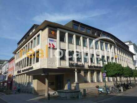 Helle Büro/ Praxisräume in repräsentativem Bankgebäude