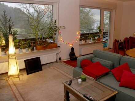 Sanierte helle 3-Zimmer Wohnung mit 2 großen Balkons für gehobene Ansprüche