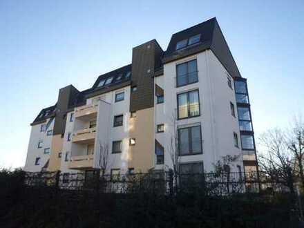 Pfiffige 3 Zimmer + 2 Zimmer DG Wohnung mit grünem Umfeld