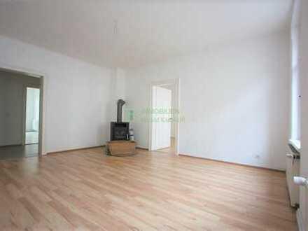 3 Raum Wohnung mit Balkon und Kamin Mitten im Zentrum von Bautzen zu vermieten.