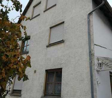 Doppelhaushälfte mit großem Garten und optionalem Nebengebäude in Hösbach