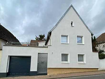 Schönes Haus mit 4-Zimmern in Massenheim mit Garten, Terrasse und Garage