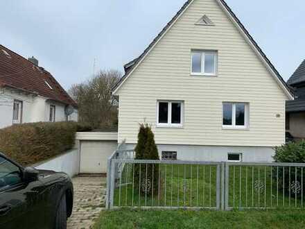 Gepflegte 4-Zimmer-EG-Wohnung mit Balkon und Einbauküche in Cuxhaven