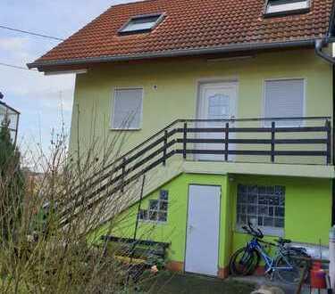 Schönes kleines Haus