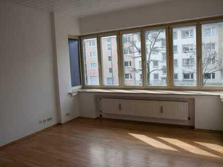 Schöne, WG-geeignete 2-Zimmer-Altbau-Wohnung an der Uni
