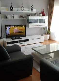 Stilvolle, modernisierte 3-Zimmer-Wohnung - Zentrale Lage-TG+Stellplatz- Einbauküche in Bad Vilbel