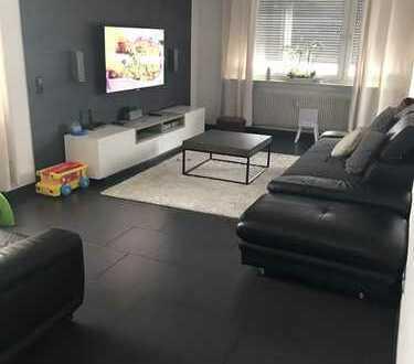 4,5-Zi Wohnung inkl. Einbau-Küche, 98m², Keller, Aufzug, KM 780,- EUR (Garage möglich, separat)