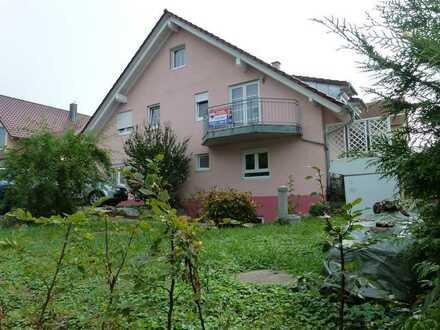 Gepflegte 4-Zimmer-Terrassenwohnung mit Balkon und EBK in Müllheim