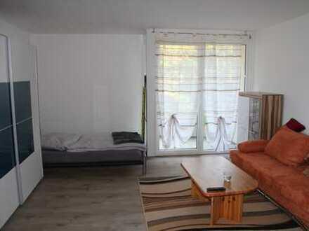 Stilvolle, modernisierte 1-Zimmer-Wohnung mit Balkon und EBK in Stuttgart Ost