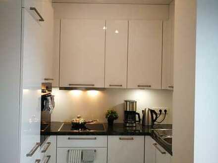 Neubau! Modern top möblierte 1/1.5-Zimmer-Wohnung mit Luxus BOSCH Einbauküche an der Isar