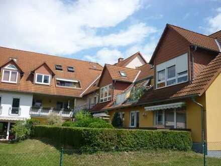 Gepflegte Maisonette-Wohnung mit drei Zimmern und Balkon in Pulsnitz